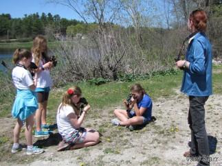Learning to use Binoculars